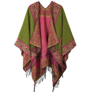 Retro-style vintage look wrap/cape with fringe
